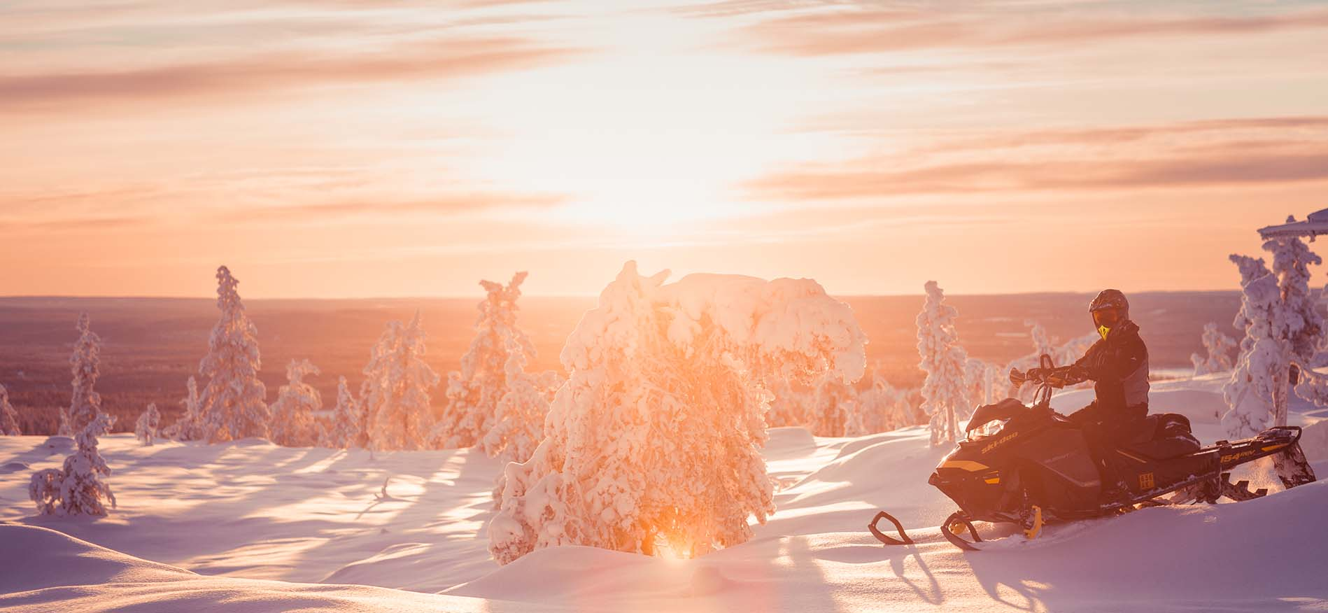 harriniva-hotels-snowmobiling-lapland-header